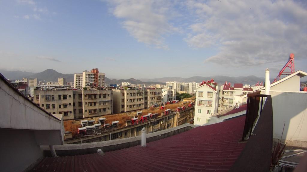 Vue d'un toit, Xichang
