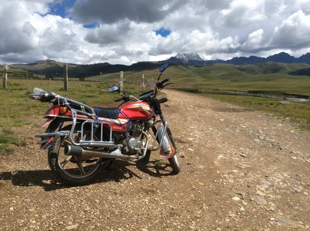 Moto Tagong Tibet