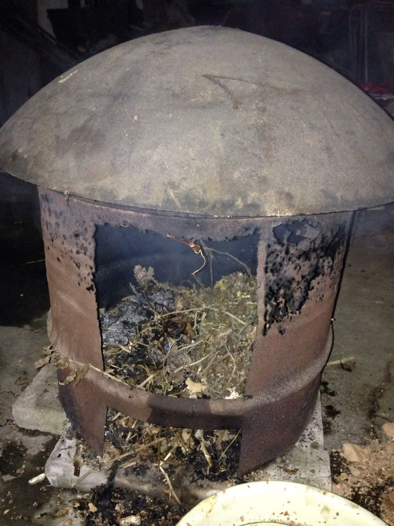 Fumage des saucisses à Leibo
